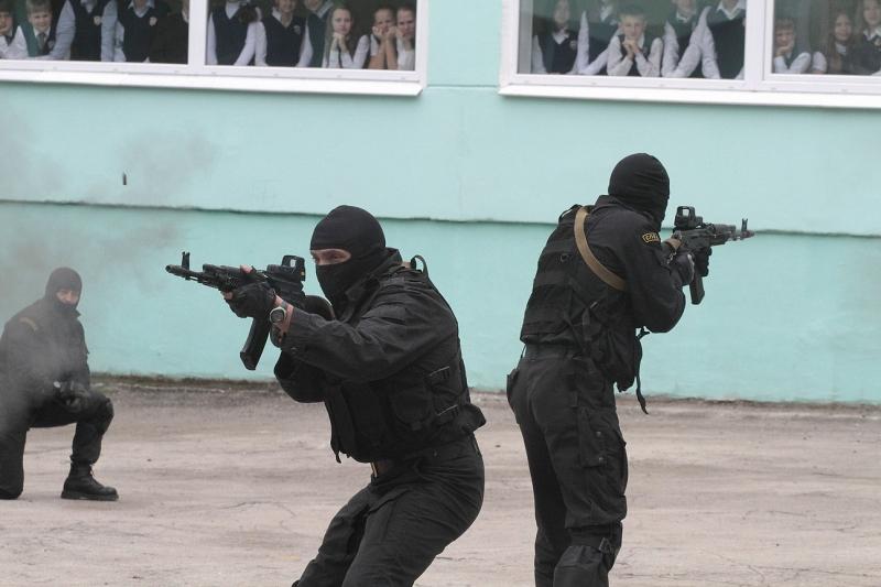Антитеррористическая тренировка в школах